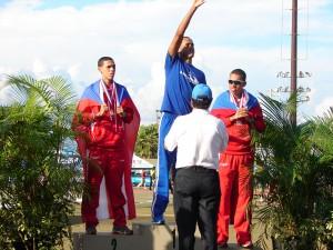 El Pionero Luis Camacho obtuvo la medalla de bronce en los tres mil metros.