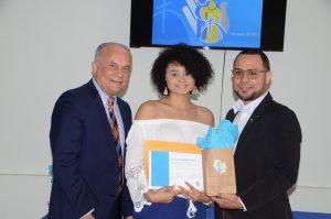 Ivanisse Martínez fue una de las participantes que celebró su graduación.