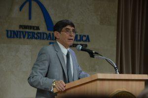 "Dr. Halley D. Sánchez, docente de la UPR de Mayagüez presentó la ponencia ""Science and Philosophy: A Synergistic Relationship""."