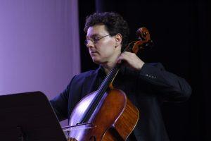Jonathan Ruck, actualmente es principal chelo de laOklahoma City Philharmonic.